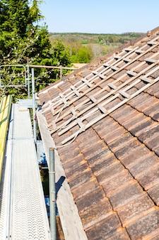 Rénovation d'un toit de briques