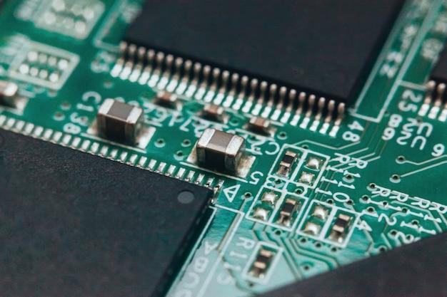 Réparation de circuits imprimés. technologie moderne de matériel électronique. puce d'ordinateur personnel numérique de la carte mère. contexte de la science technologique.