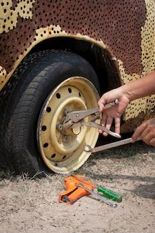 Réparer un pneu crevé