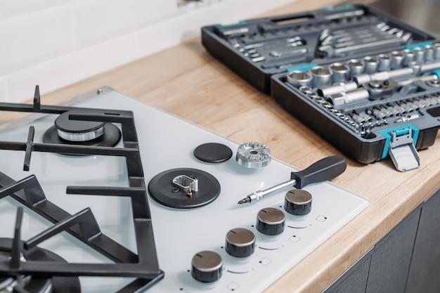 Réparer le tableau de commande de la table de cuisson
