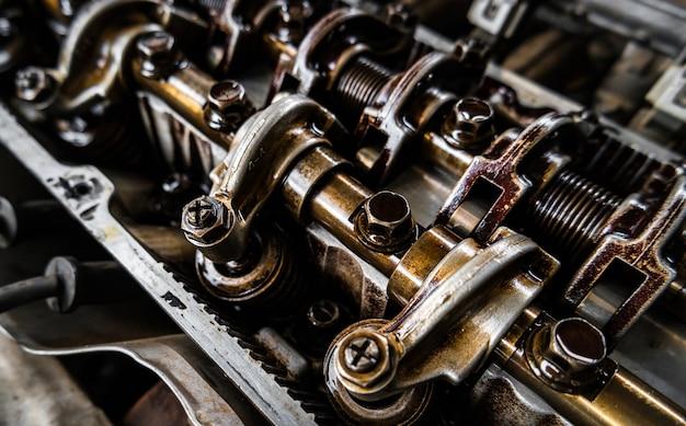 Répétition pour moteur de voiture