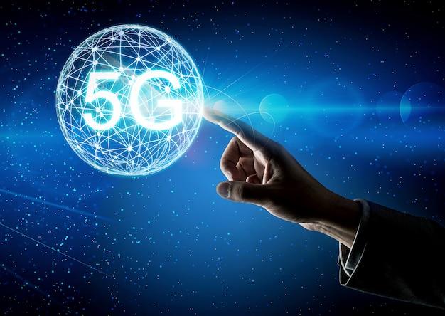 Réseau sans fil 5g et internet des objets contact avec des personnes