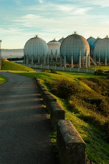 Réservoir de gaz naturel dans l'industrie de la raffinerie.