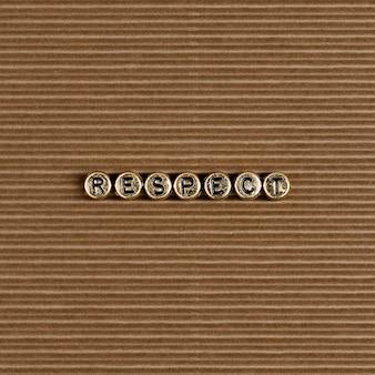 Respecter les perles de mot sur marron