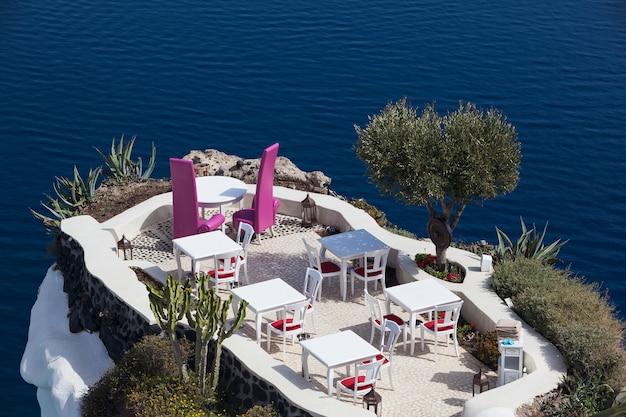 Restaurant à oia, île de santorin, grèce