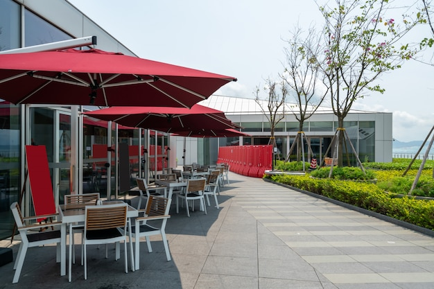 Restaurant en plein air sur le toit-terrasse