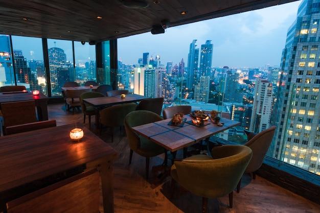 Restaurant skyline à bangkok en thaïlande