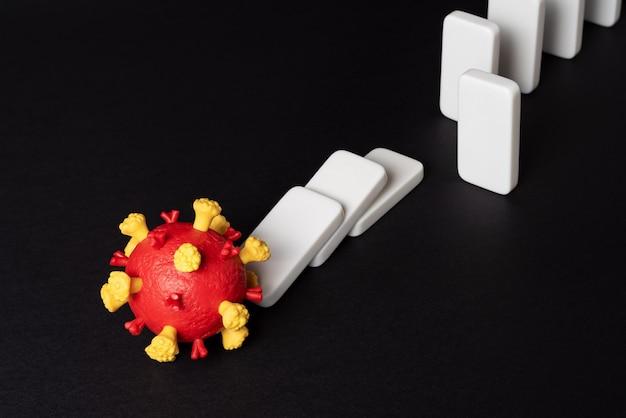 Rester à l'écart des autres peut aider à arrêter la propagation du coronavirus. pandémie de covid-19