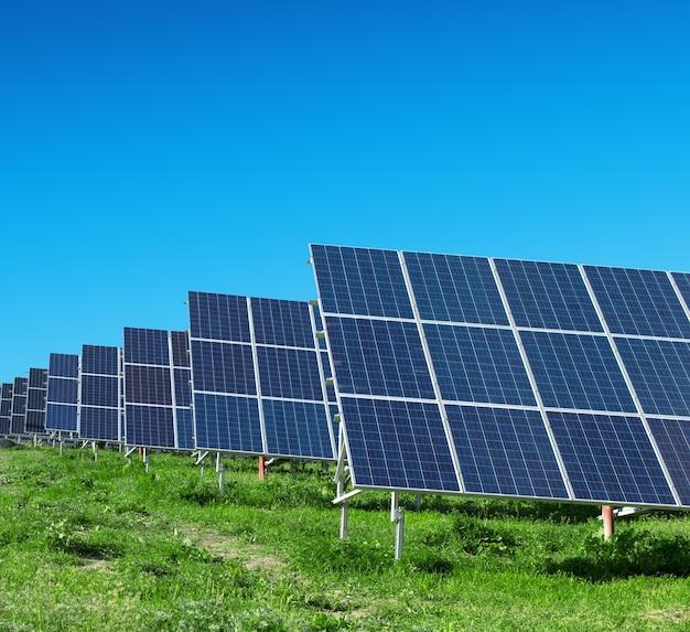 Résumé de détail de panneau solaire - source d'énergie renouvelable
