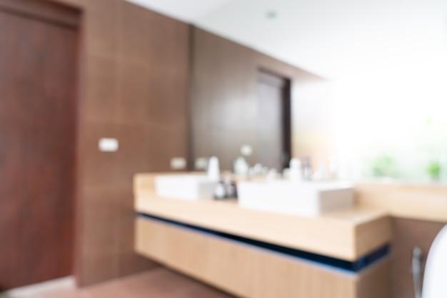 Résumé flou intérieur de la salle de bains de bel hôtel de luxe