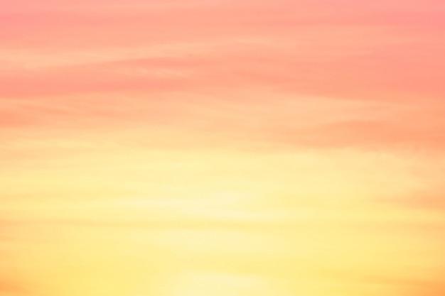 Résumé flou léger dégradé rose pastel doux et jaune pour le fond d'écran