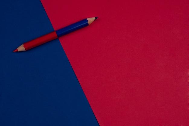 Retour à l'école fond rouge et bleu