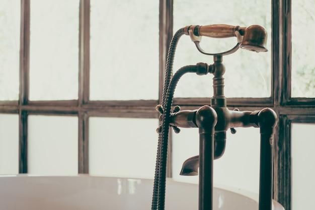 Rétro maison de douche antique classique