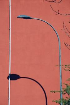 Réverbère dans la rue dans la ville de bilbao en espagne