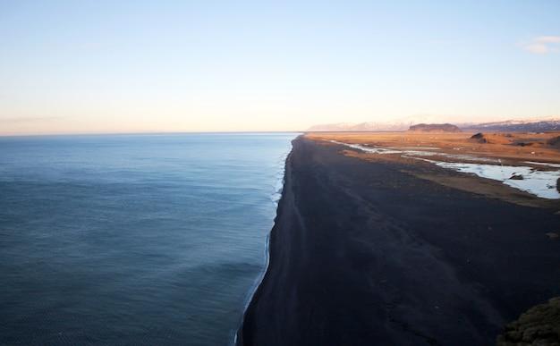 Reynisfjara black sand beach islande