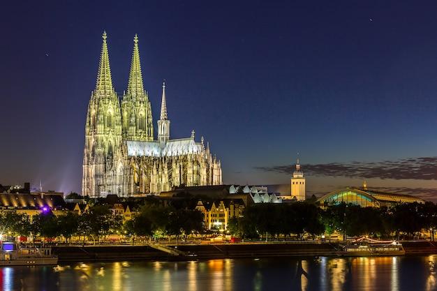 Rhin de la cathédrale de cologne