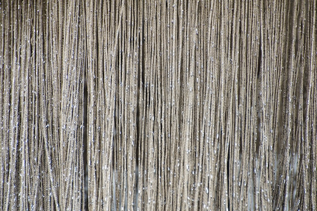Rideau de chaînes argentées métalliques brillantes. texture.