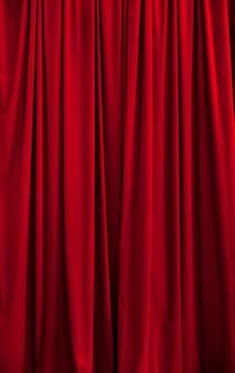 Rideau Rouge Idéal Pour Les Arrière-plans Et Les Textures Photo Premium