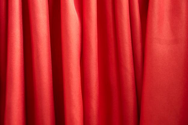 Rideau de scène rouge