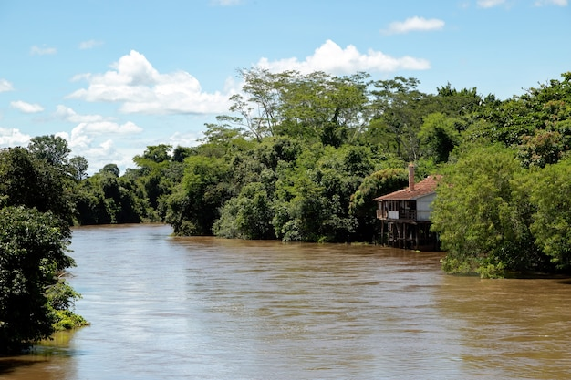 Rio apore dans la ville touristique brésilienne lagoa santa à l'intérieur de goias