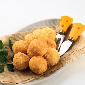 Risotto arancini frit maison au basilic et marinara