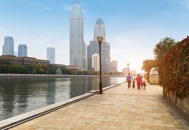 Riverside park et l'architecture urbaine à tianjin, en chine