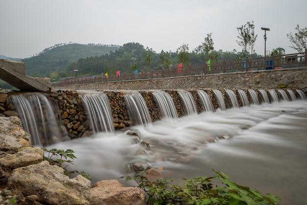 Rivières et ponts dans les villages de montagne