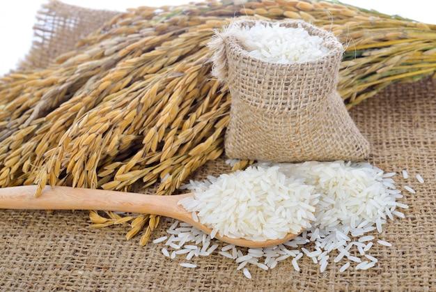 Riz blanc (riz thaï au jasmin) et riz non moulu