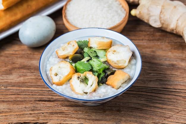 Riz confit d'oeufs porridge de viande maigre porridge de riz chinois