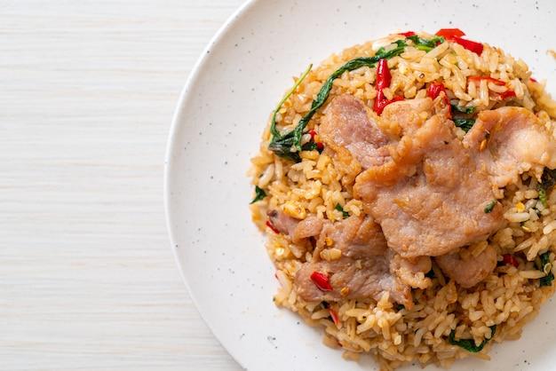 Riz frit au basilic thaï et porc