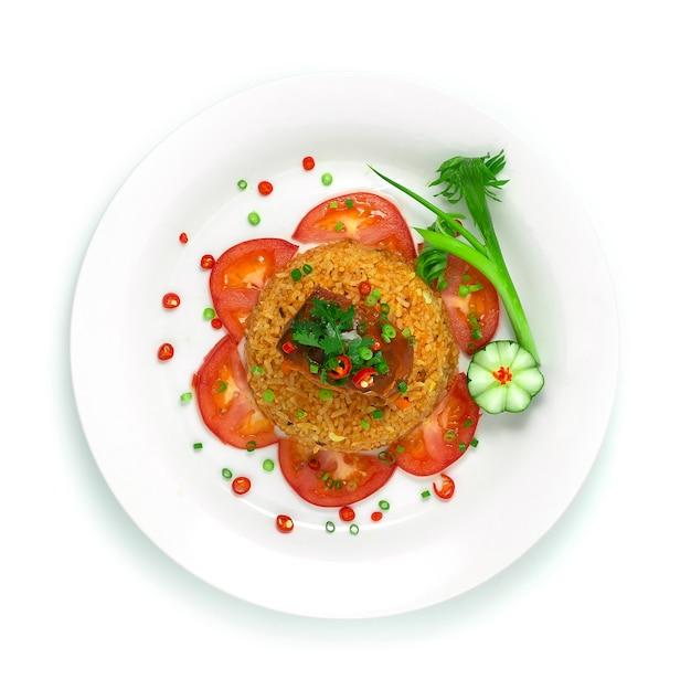 Riz frit au maquereau à la sauce tomate cuisine thaïlandaise délicieuse