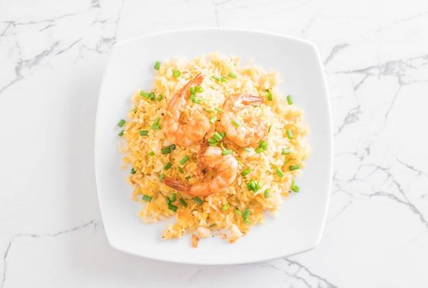 Riz frit aux crevettes
