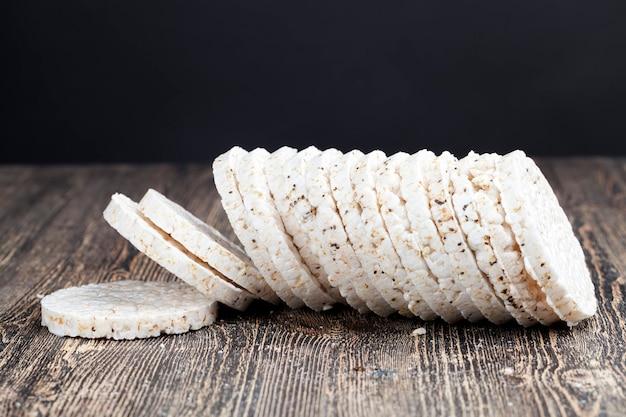 Riz à partir duquel sont fabriqués les pains croustillants