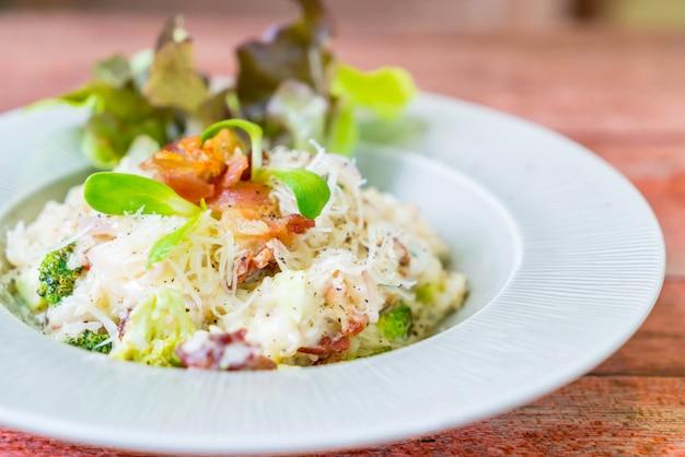 Riz risotto aux lardons