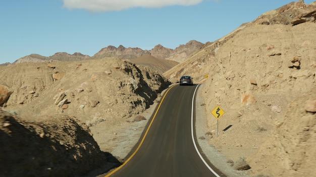 Road trip à death valley, artists palette drive, california usa. montagnes et désert sauvage