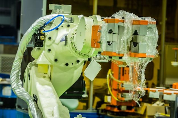 Robot utilisé dans les applications industrielles