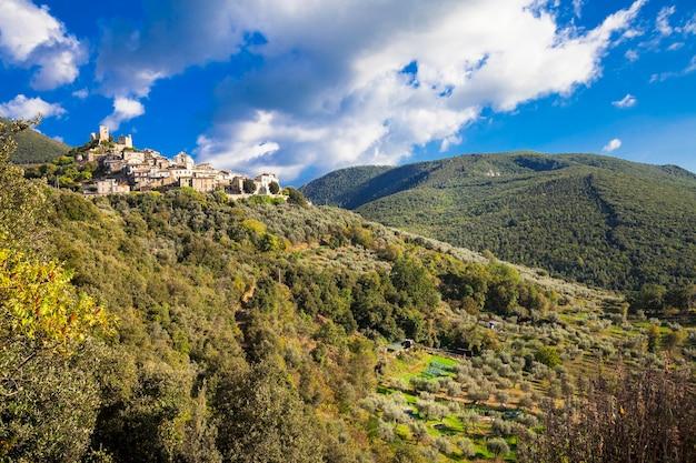 Roccantica, village typique de hil top en italie. région de rieti