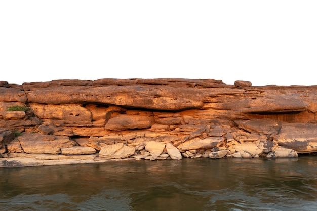 Rocher sur fond blanc et vue paysage au bord de l'eau