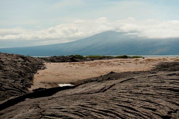 Roches de lave sur punta espinoza, île de fernandina, îles galapagos, équateur