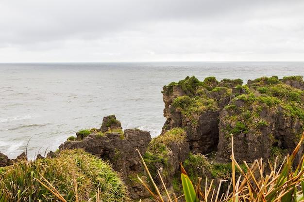 Rocky coast pancake rocks parc national de paparoa ile sud nouvelle zelande