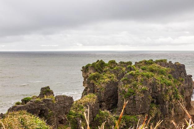 Rocky shore parc national de paparoa ile sud nouvelle zelande