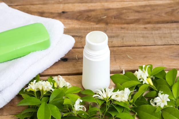 Roll on déodorant parfum fleur jasmin soins de santé pour aisselle de surface avec savon à base de plantes