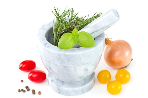 Romarin et basilic à la tomate et à l'oignon