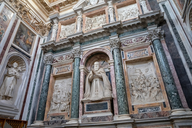 Rome, italie - 21 juin 2018 : vue panoramique de l'intérieur de la basilique de santa maria maggiore, ou église de santa maria maggiore. c'est une basilique majeure papale et la plus grande église mariale catholique de rome