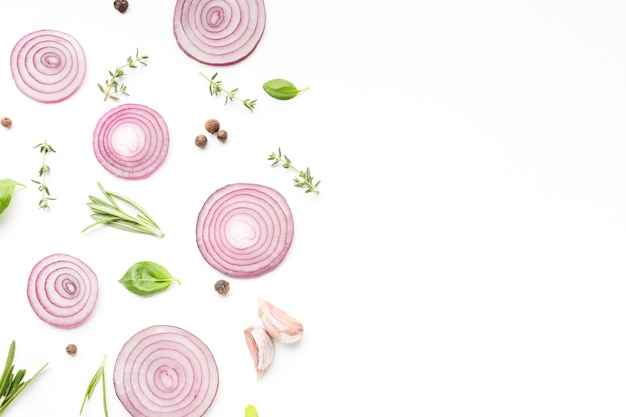 Rondelles d'oignon avec herbes