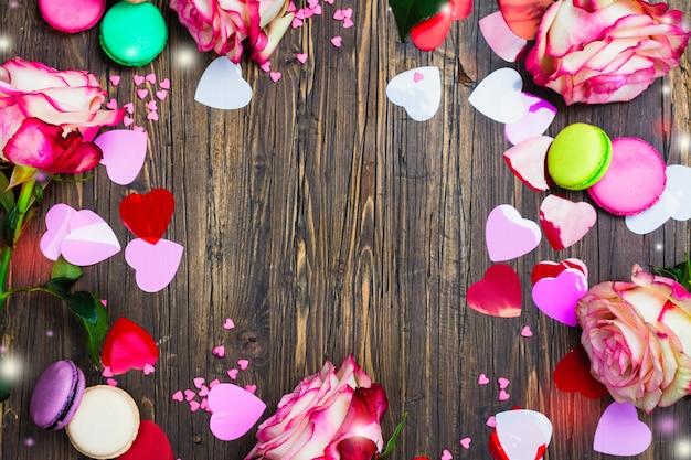 Roses, macarons et coeurs décoratifs