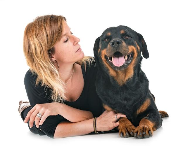 Rottweiler et femme