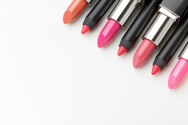 Rouges à lèvres avec espace de copie