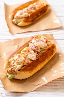 Rouleau de homard fait maison