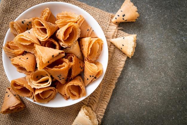 Rouleau de noix de coco croustillant snack asiatique
